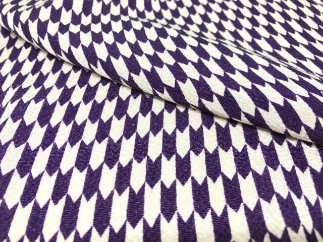 矢絣柄の袴が人気の理由とは?今人気のレトロ柄の種類と意味