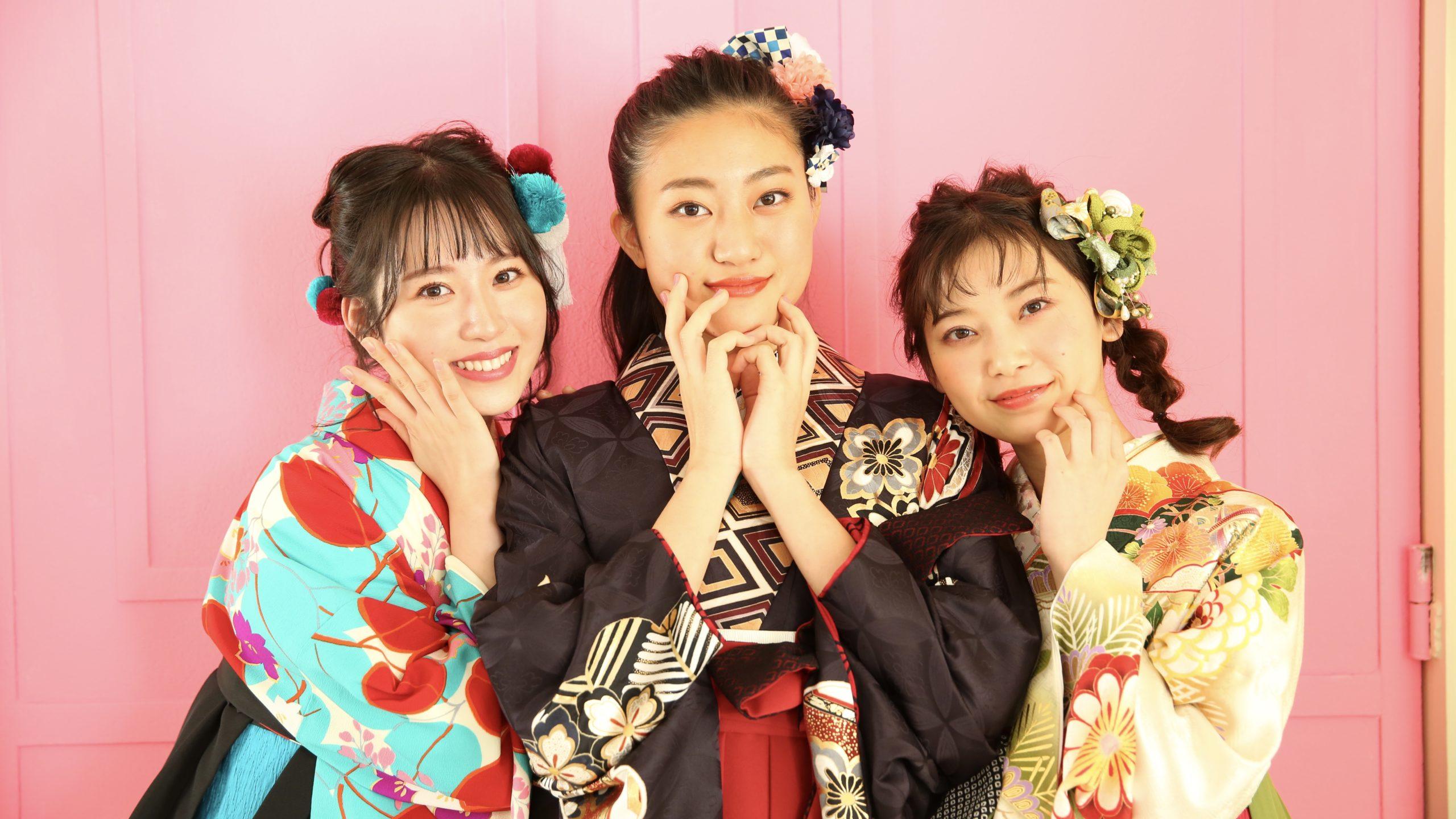 [祝・卒業]袴を着たら、しぐさや動作も大人のマナーで。
